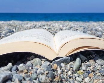 4 Libri da leggere sotto l'ombrellone