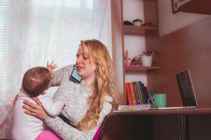 Donna e mamma la vita in casa